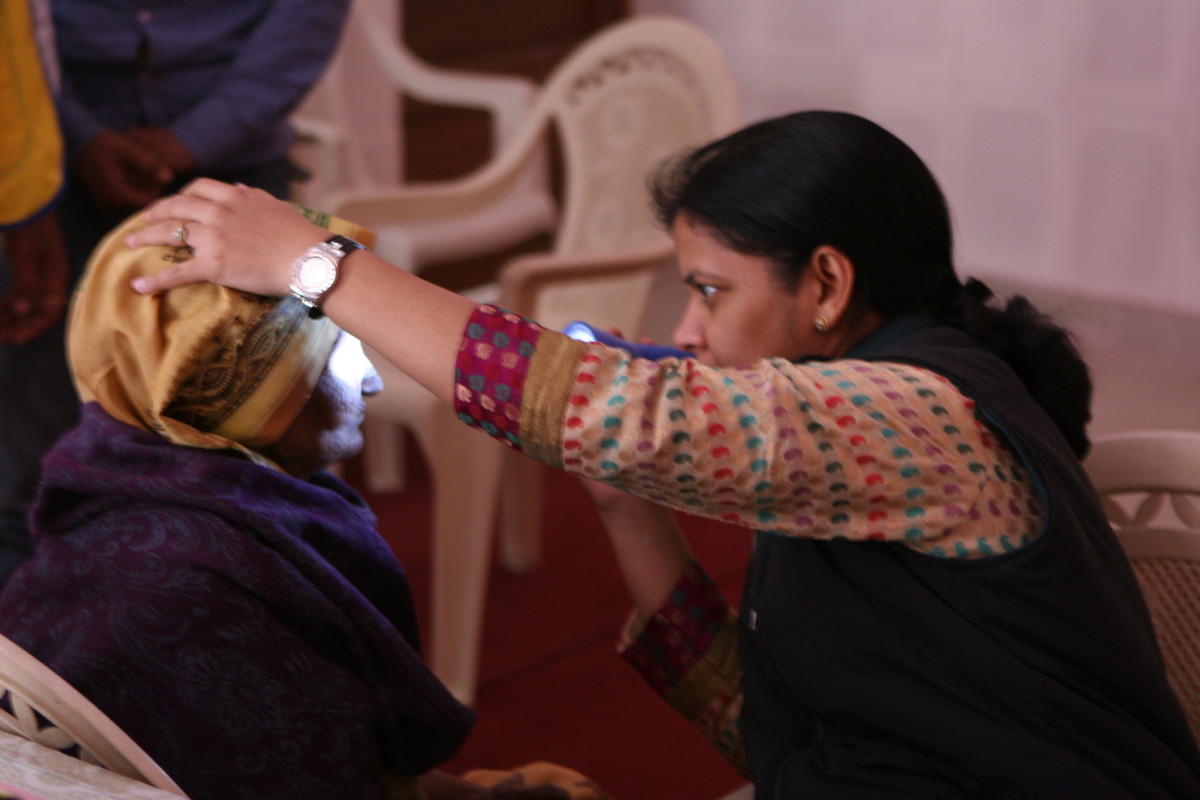 Eye exam in India //